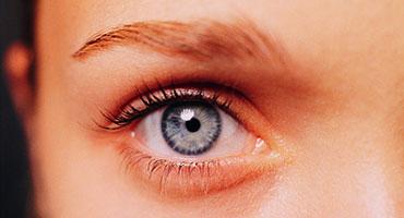 Protéger ses yeux du soleil pour limiter les troubles oculaires